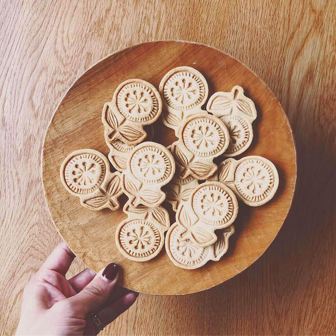 お花のクッキー型にはクッキーレシピ付き