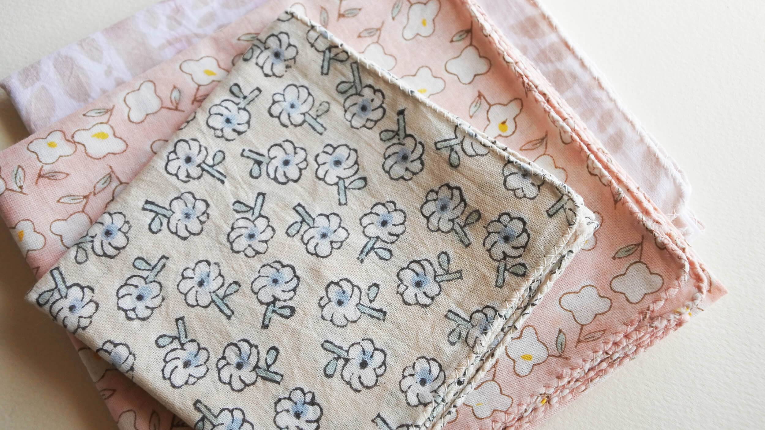 Pattern Hanauta 04 Handkerchief and Picnic 02,Minori 03 Bandana